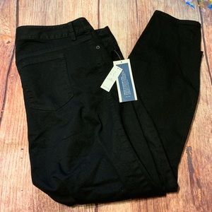 NWT Old Navy Black Super Skinny Jeans 20 Short